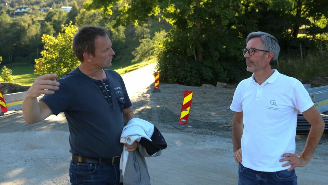 UTFORDRINGAR Helge Dyrrdal (til venstre) og Ole-Kristian Hess Erga gjekk i gang med ein privat reguleringsplan, men prosessen vart meir omfattande enn først venta.