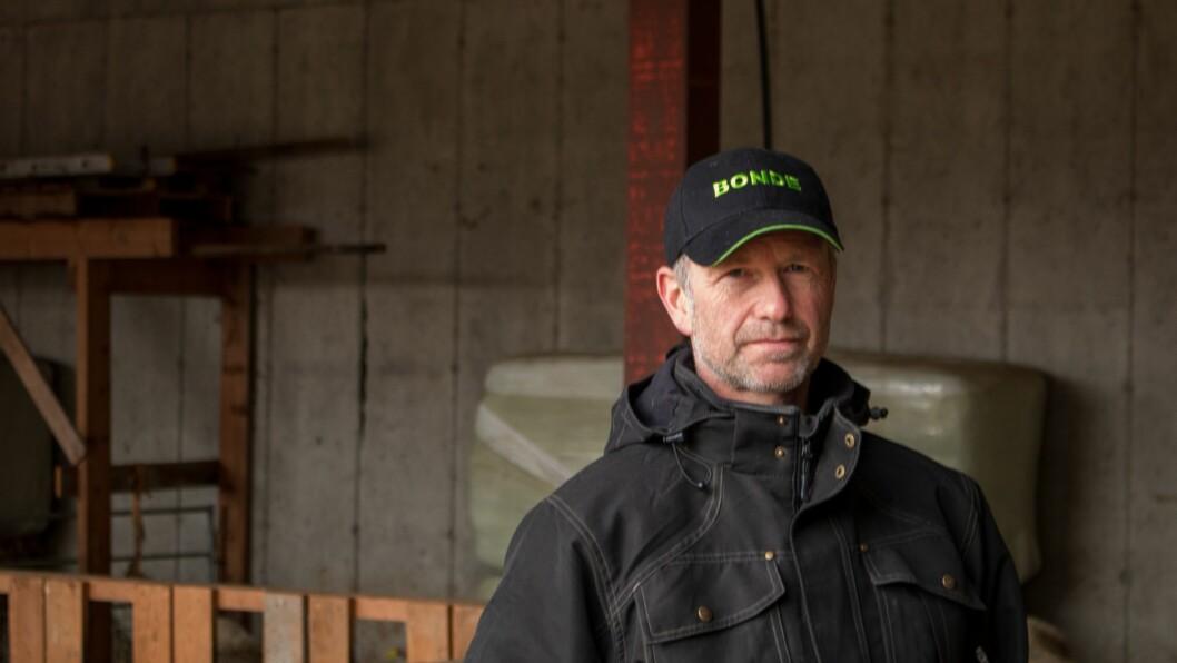 BEKYMRA: Sauebonde og bondelagsmann Ole Bjarne Hovland er bekymra for utviklinga han har sett i Sogn dei siste åra.