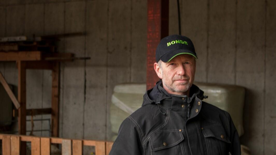BEKYMRA: Sauebonde og bondelagsmann Ole Bjarne Hovland er bekymra for utviklinga han har sett i landbruket i det siste.
