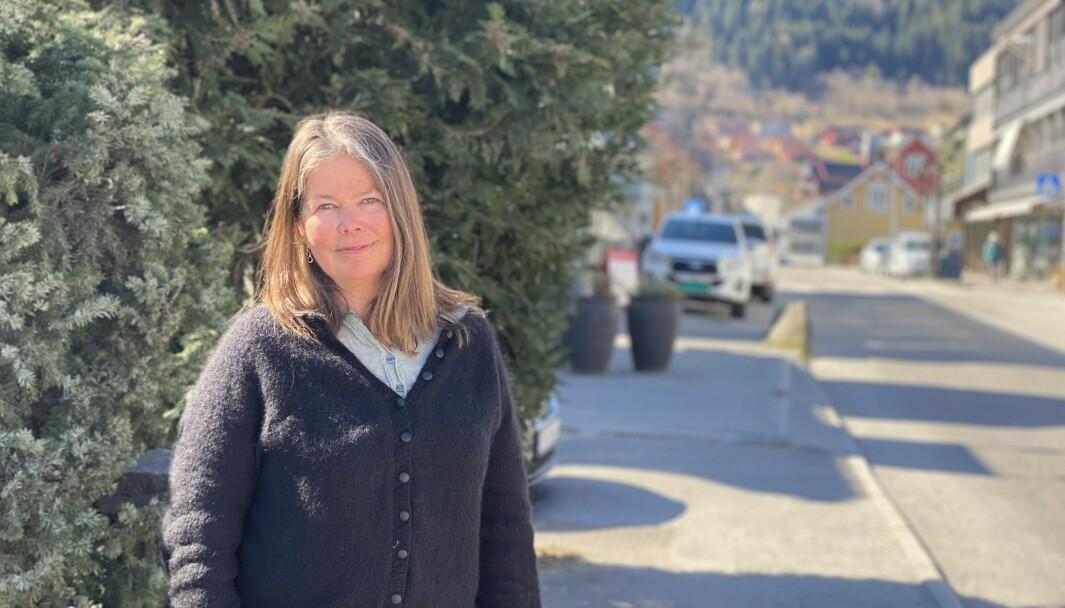 LEIAR: Vibeke Johnsen er ikkje berre varaordførar i Sogndal kommune, men sit også som leiar for NAV kontaktsenter med kontor på Leikanger og i Molde.