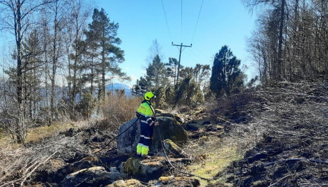 UTRYKKING: Tysdag rykte brannvesenet i Lavik, Hyllestad og Høyanger ut til ein terrengbrann.