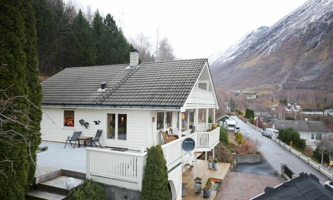 SELD: Seimsvegen 39 i Årdal kommune.