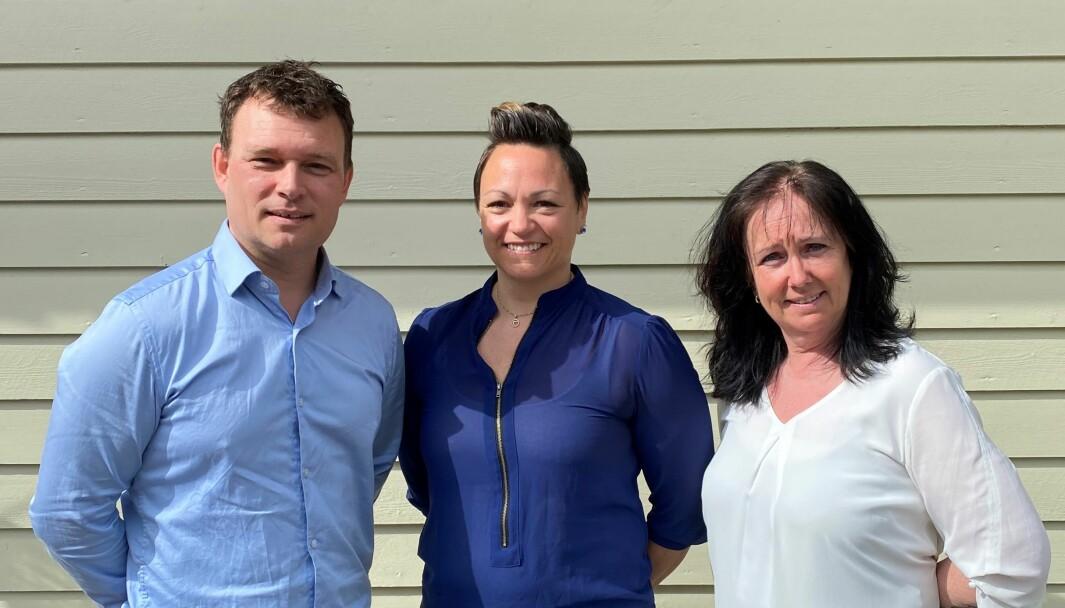 FRÅ VENSTRE: Erlend Hatleberg, Arlen Solheim, Rita Ørnehaug. Dei er eigarar av selskapet saman med Karl Eirik Frøysa Hansen.