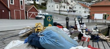 Ber kommunen ta ansvar for søppel ved kaia: – Det har blitt verre og verre