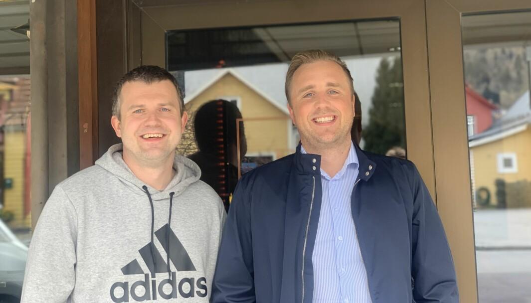 GODE VENNER: Tømrar og fotograf Eirik Flugheim kjem til å jobbe tett med Jostein Mo i PrivatMegleren framover.