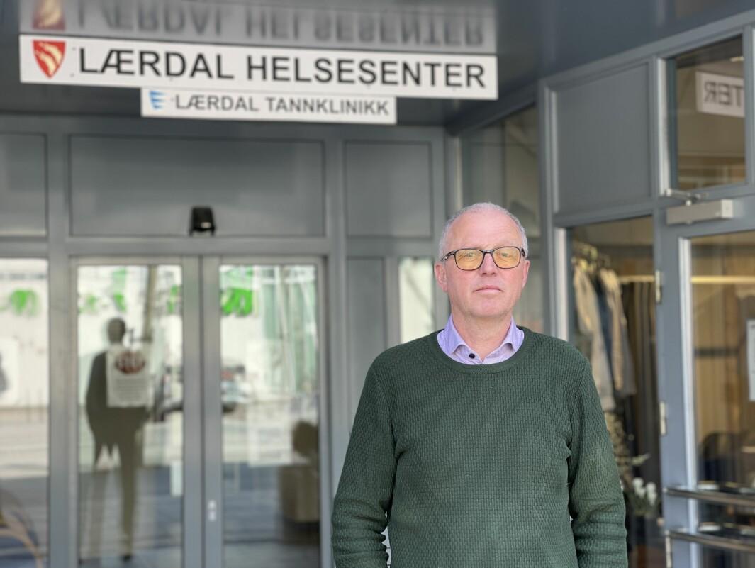 FØLG MED: Det er den klare oppfordringa frå Frode Myklebust, kommuneoverlege i Årdal, Lærdal og Aurland