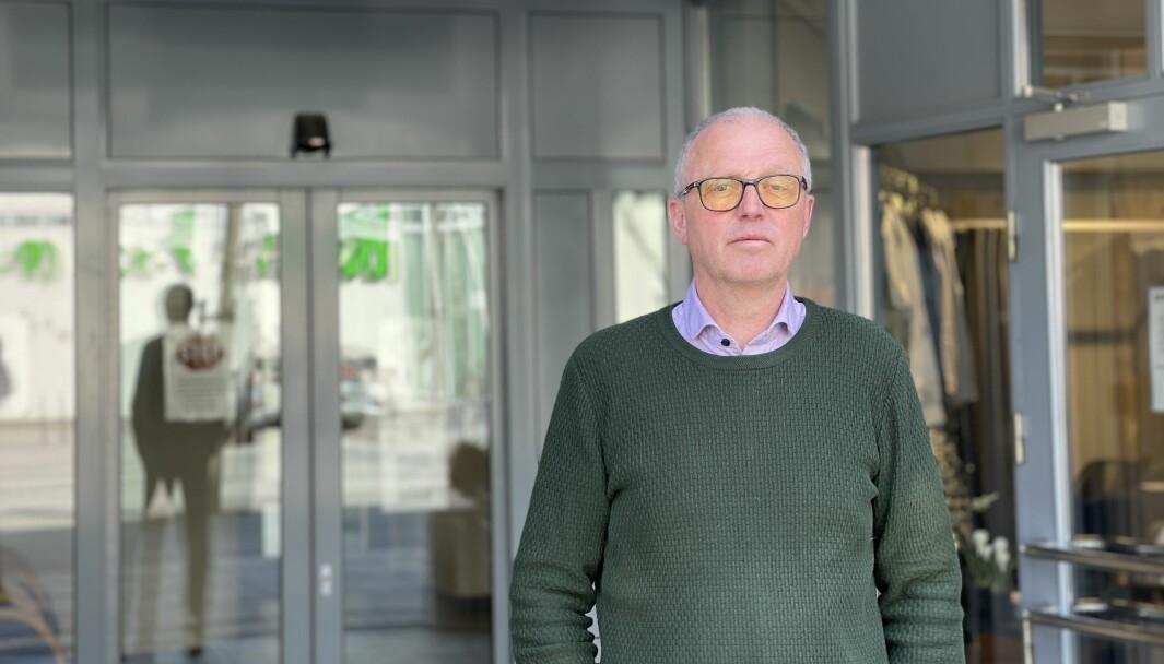 EIN NY SMITTA: Frode Myklebust, kommuneoverlege i Lærdal, Årdal og Aurland. Han fortel at det nyaste smittetilfellet var forventa.