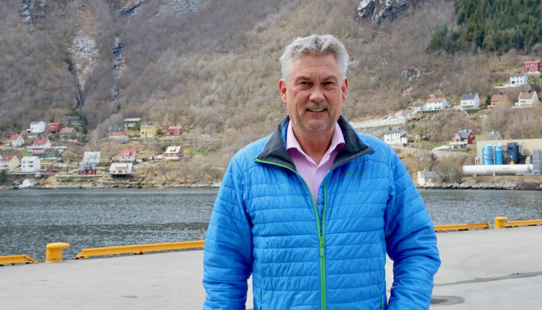 BEVARE ELLER RIVE: Petter Sortland håpar dei snart får på plass nytt eigarskap for trappene.