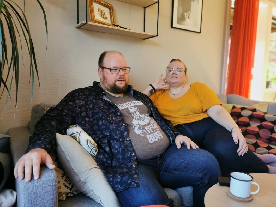 UTFORDRINGAR: Det har ikkje berre vore enkelt å bli kjent med folk for Pål Berg Svenungsen og Kari-Therese Eia etter at dei kom til Sogndal for nokre år sidan. Pandemi og isolasjon har gjort det enda vanskelegare.