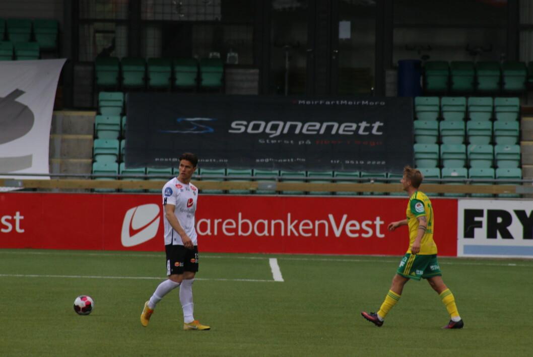 UT ETTER 22 MINUTT: Andreas Hoven fekk ein tidleg utvisning i kampen mot Ull/kisa.