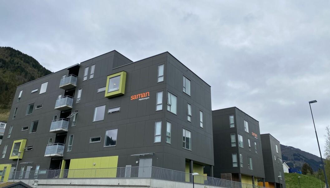 Studentheimen ligg like ved campus av Høgskulen på Vestlandet.