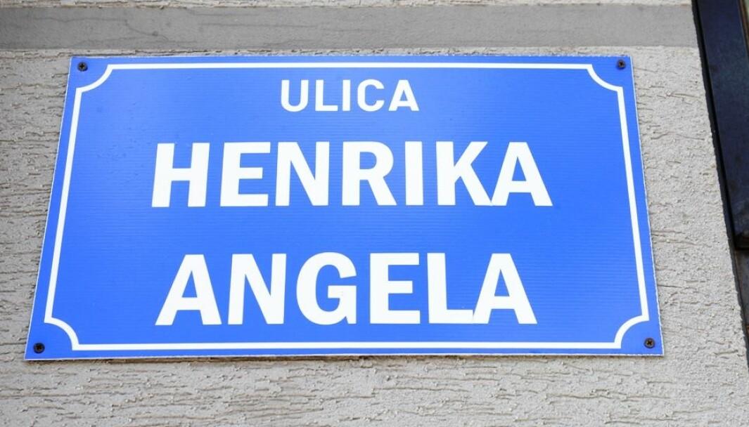 HISTORISK: Gatenamnet er offisielt blitt endra til ære for Henrik Angell.