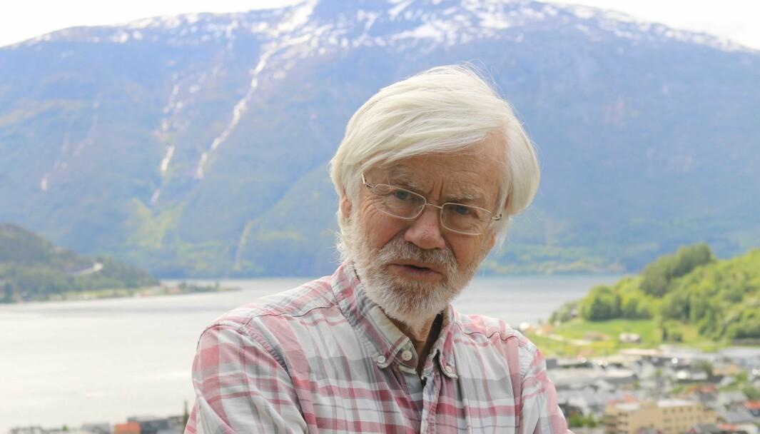 SOGNEFJORDEN: Marinbiolog Torbjørn Dale, har undervist på høgskulen i fleire tiår. No er han pensjonert, men er likevel svært engasjert i velferden til Sognefjorden. Han tykkjer kvikksølvsituasjonen er trist.