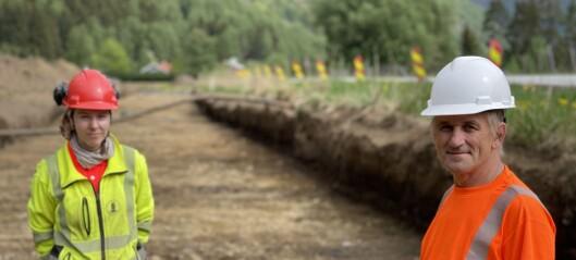 Har funne vikingbål, plogespor og gamle gardsgrenser – og arkeologane er berre så vidt i gang