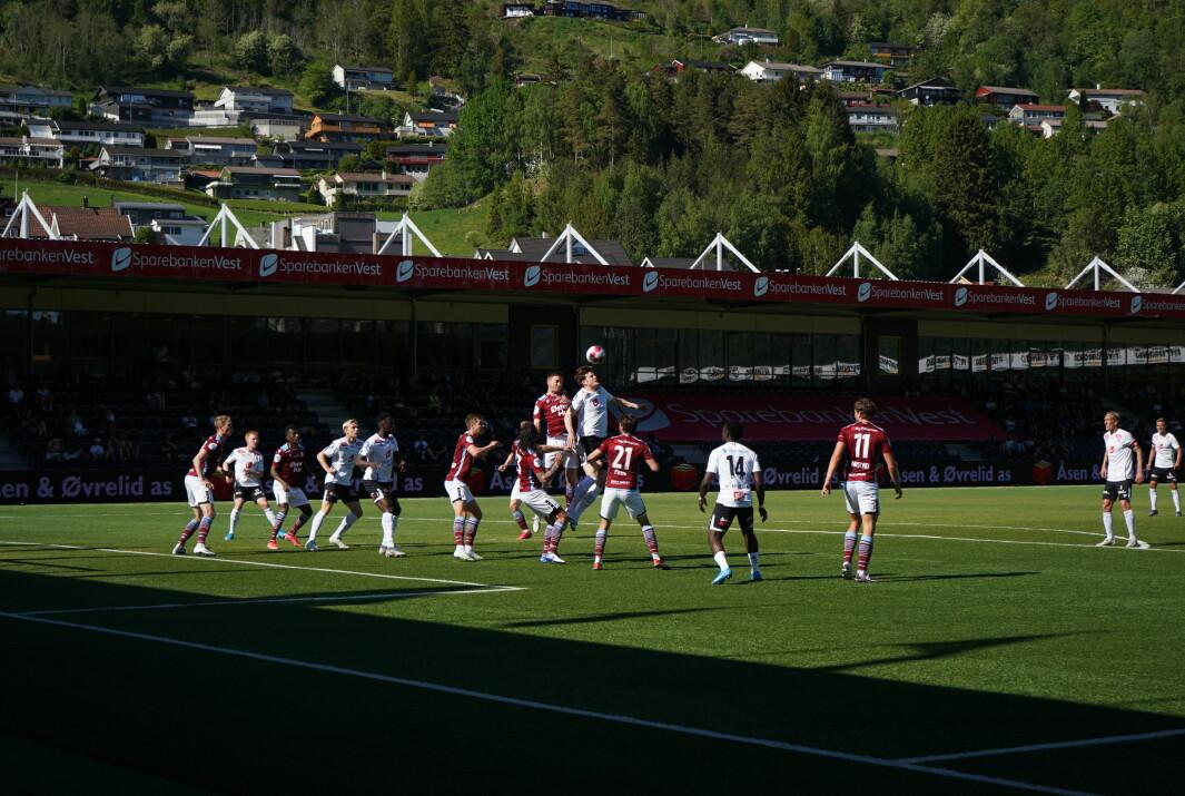 SCORA IGJEN: Kristoffer Hoven sørga for eit poeng til Sogndal mot Sandnes Ulf med sin 2-2 scoring.