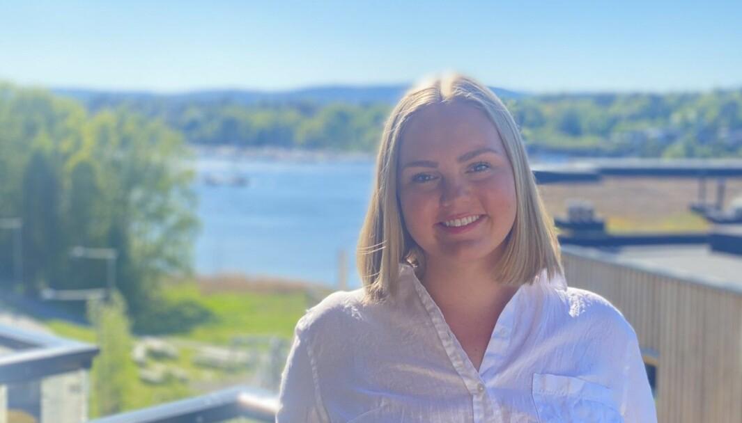 BLIR SNART SOGNING: Ellen Emilie Stangeland er nyutdanna innan PR- og marknadskommunikasjon. Å få drømmejobben i så fine omgivnadar, er midt i blinken, meiner ho.