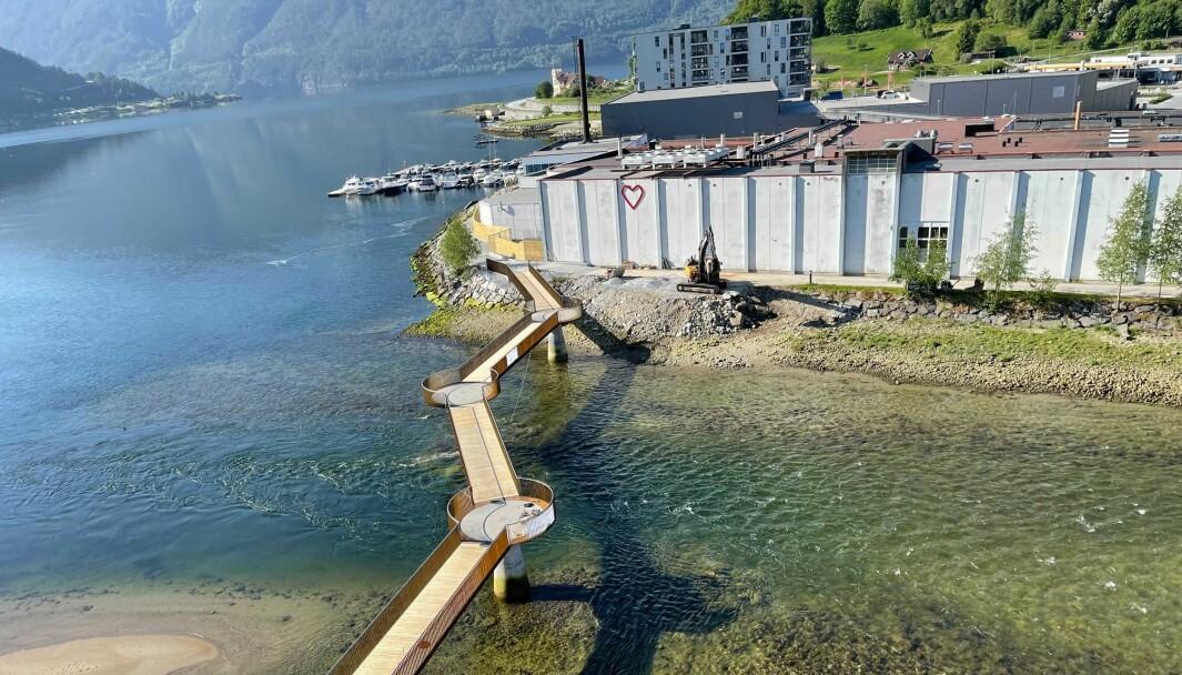 OMTALT PROSJEKT: Osenbrui i Sogndal har hatt mange forseinkingar for opningsdato.