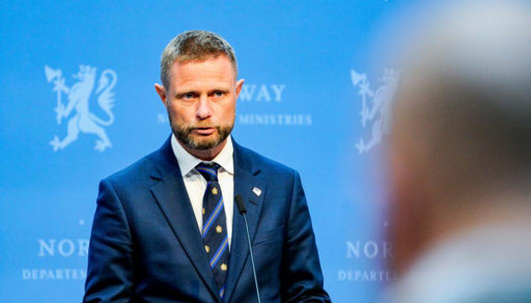 PRESSEKONFERANSE: Eit koronasertifikat i Noreg er truleg på plass og klart til å bli tatt i bruk frå 11. juni, opplyser helse- og omsorgsminister Bent Høie (H)