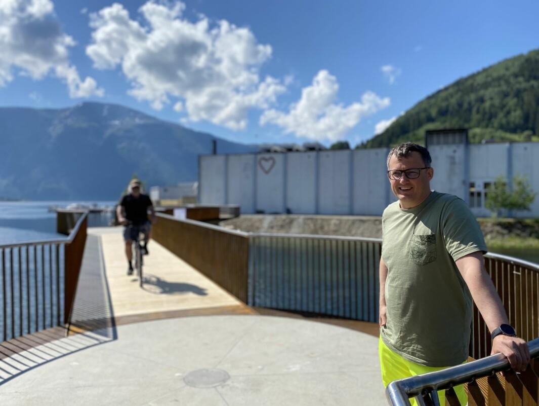 OPEN: Vanlege syklistar har byrja å ta i bruk Osenbrui, men ikkje med Prosjektleiar Eirik Rygg i Sogndal kommune sin velsignelse.
