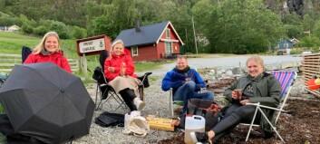Ferjekonsert i Eidsfjorden: – Me pakka alt frå ullgenser til solbriller