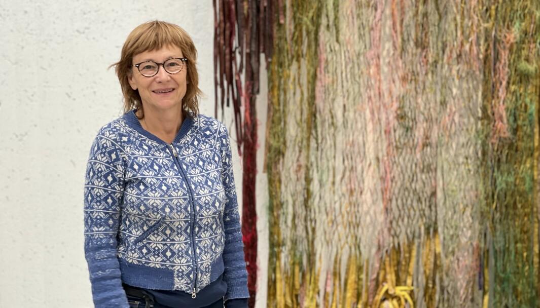 PAPIR: Kunstnaren Anne Kari Arnsteins utforska rørsla, styrka og skjørheit i sine verk.