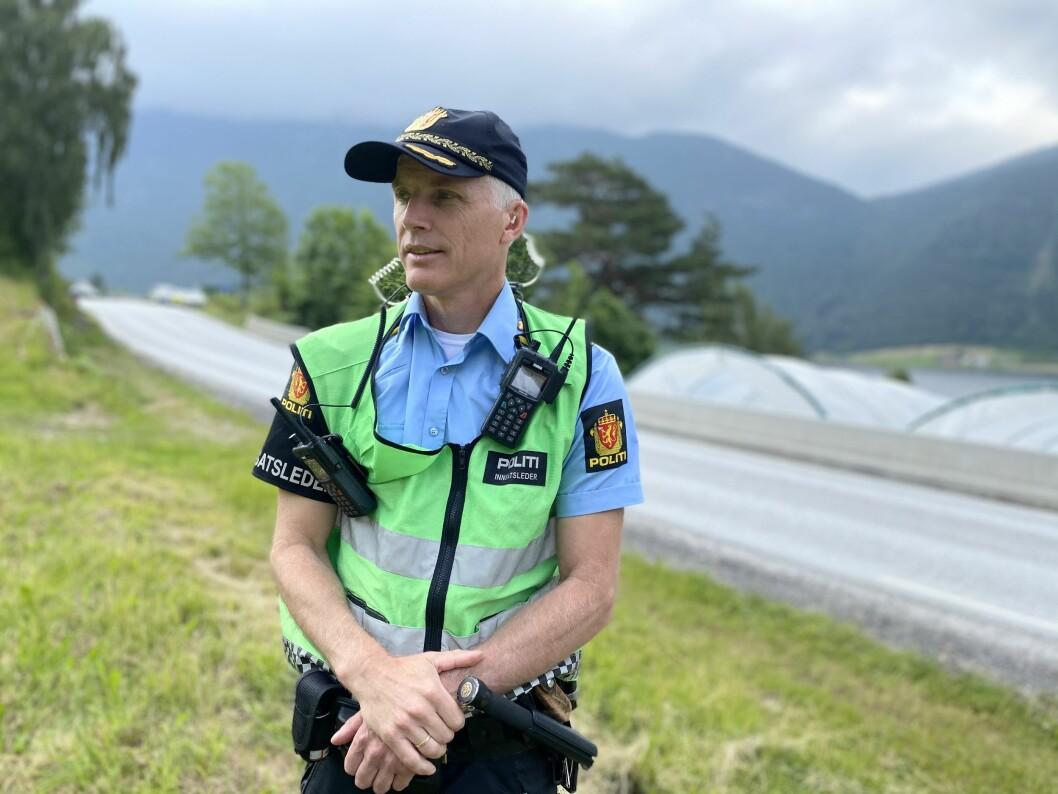 FOR TIDLEG: Innsatsleiar i ved Sogndal lensmannskontor, Svein Inge Krogh Harberg, meinar at det er for tidleg å trekke konkusjonar mellom dei to ulukkene.