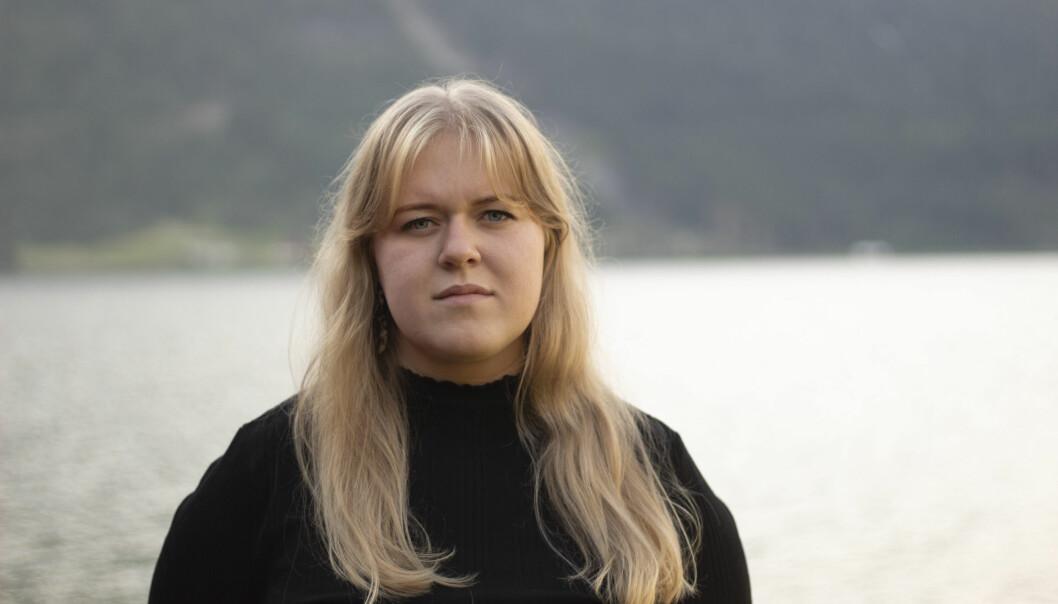 DIALEKT: Frida Pernille Mikkelsen er leiar i Norsk Målungdom. Ho meinar media har ein jobb å gjere for å forme barn og unge sine holdningar til dialektar.