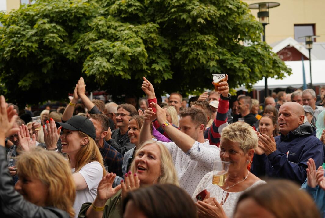FEST: Det var full fest og god stemning på Lægreidsfest i Sogndal i helga. Biletet har ingenting med hendingane nemnd artikkelen å gjere.