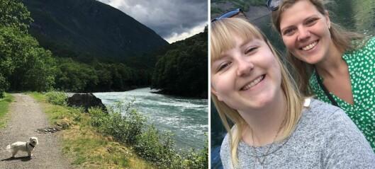 Anna (27) og Mia (28) var på noregsferie. Då vart dei hovudstups forelska i ei heilt spesiell industribygd