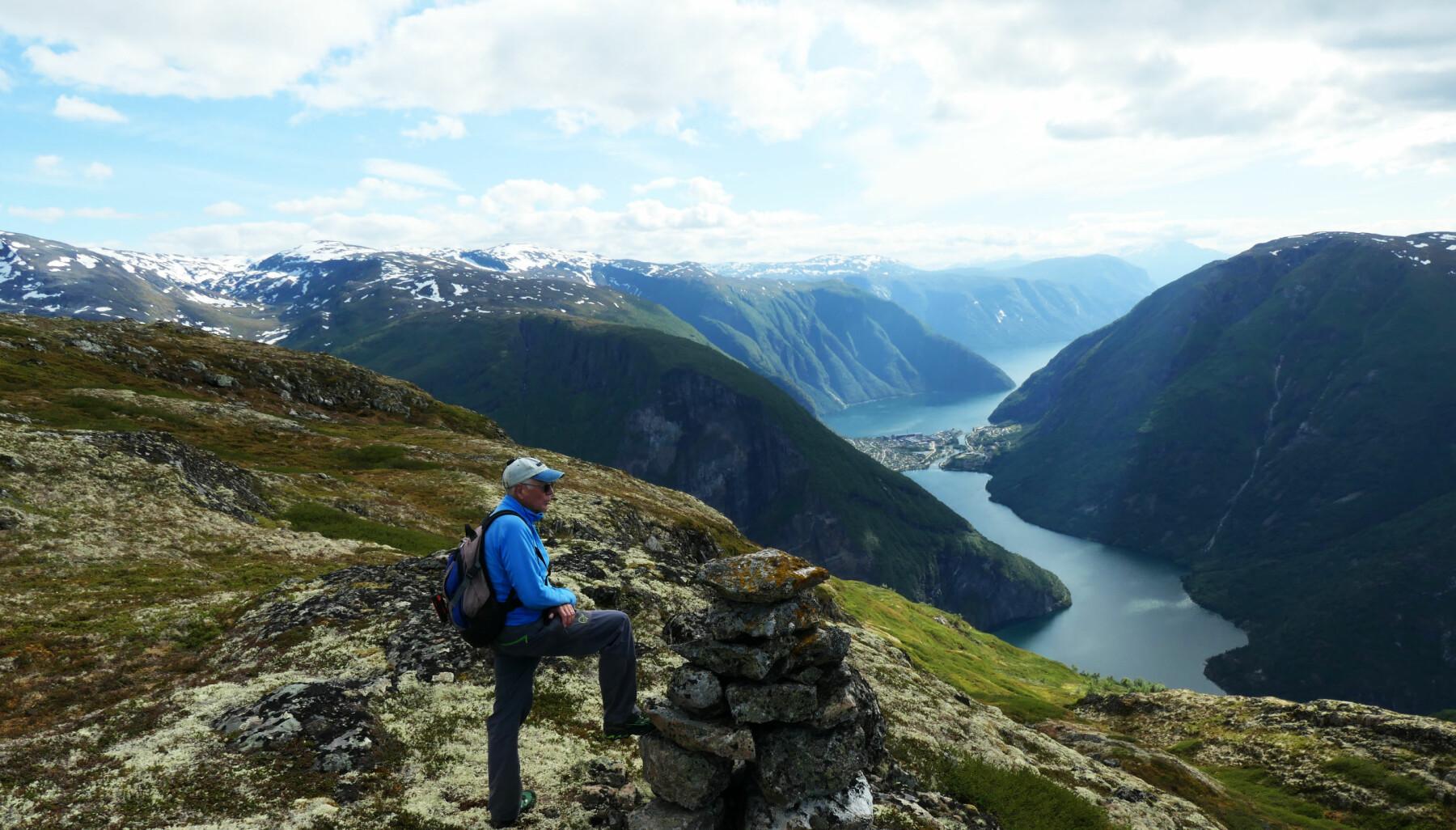 ÅRDAL: Jonny Asperheim er vandt med å gå i fjella, no blir turopplevingane hans til ei svær turguide for heile Årdal.