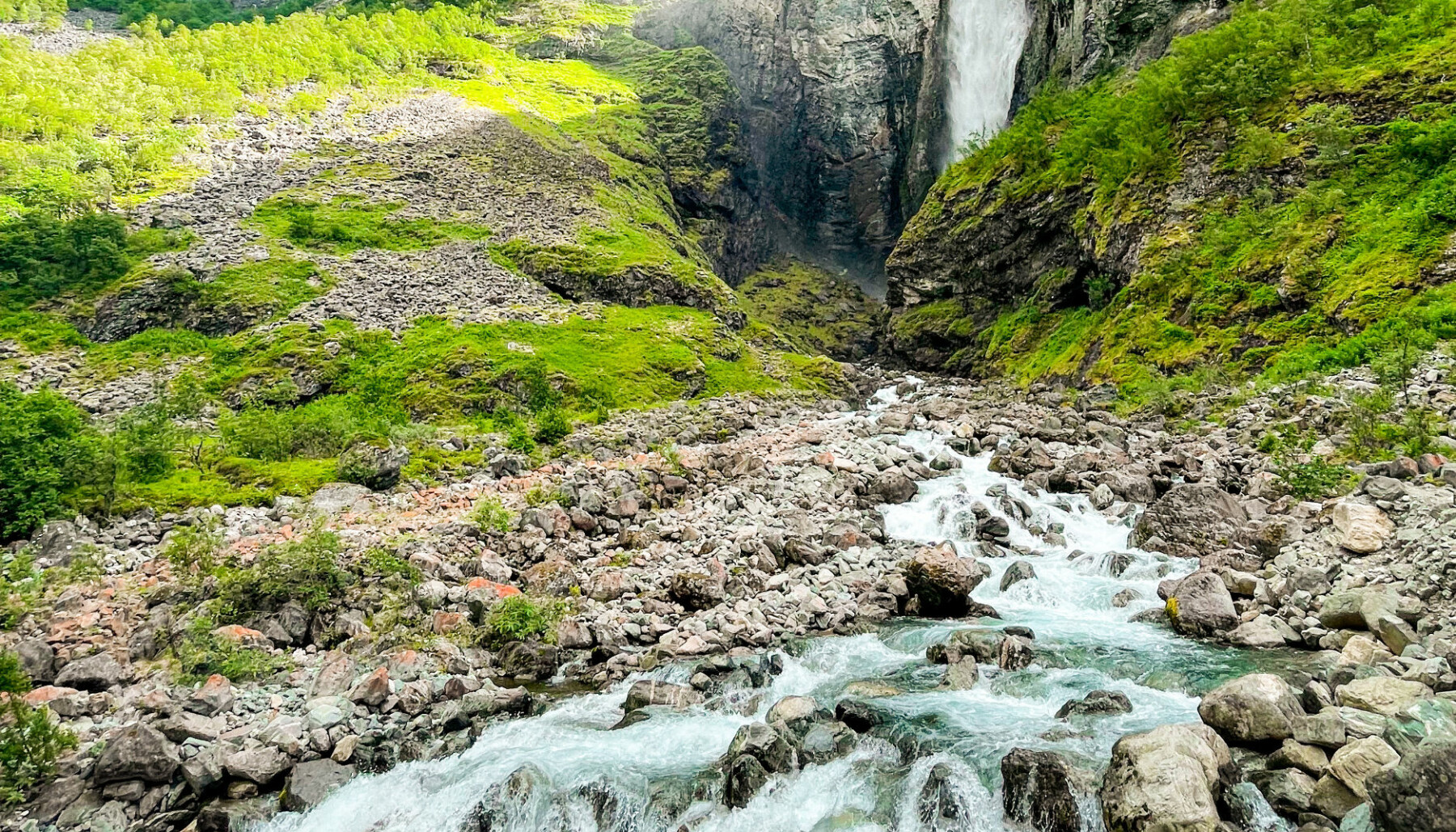 VETTI: Ekteparet Opheim falt pladask for naturen i Utladalen og på Vetti.