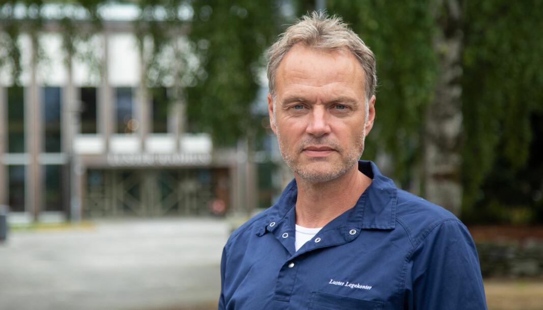LUSTER: Ingen nye smitta i kommunen, forklarar vikarierande kommuneoverlege Morten Larsen.