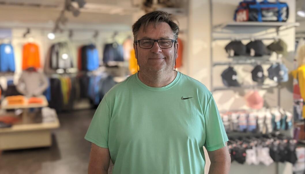 TRAVEL: Jan Are Øvstetun har travle dagar i sportsbutikken.