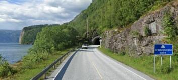 No skal denne tunnelen få seg ei overhaling. Då skal det sprengjast