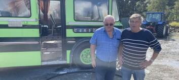 Innsatsleiaren rosar Didrik og Olav: – Dei dempa brannen sopass at det framleis står ein heil buss her