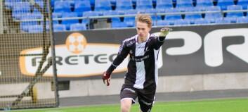 Leander (17) flytta heimefrå då han han var 15 år for å satse på fotballen. No har han nådd ein viktig milepæl