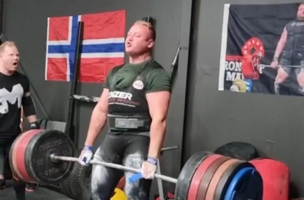 MEISTER: Jonas Brathen frå Luster har oppnådd tittelen i særdeles ung alder.