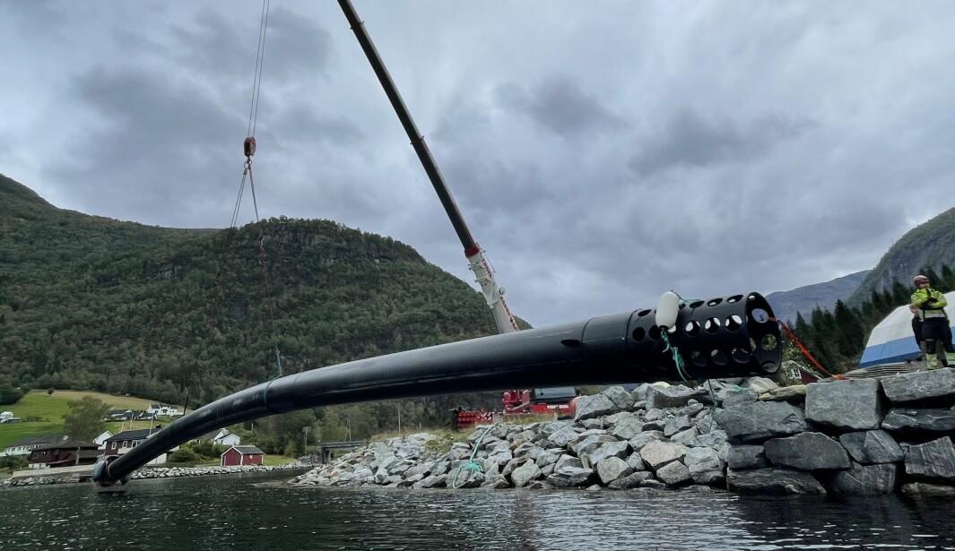 NY SATSING: Plastrøyr av denne skalaen blir viktige for Østerbø maskin i åra som kjem.