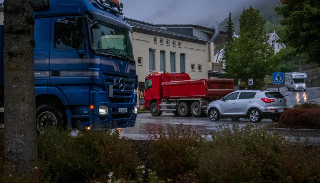 KØ: Det var raude lastebilen som fekk problem med girkassa.