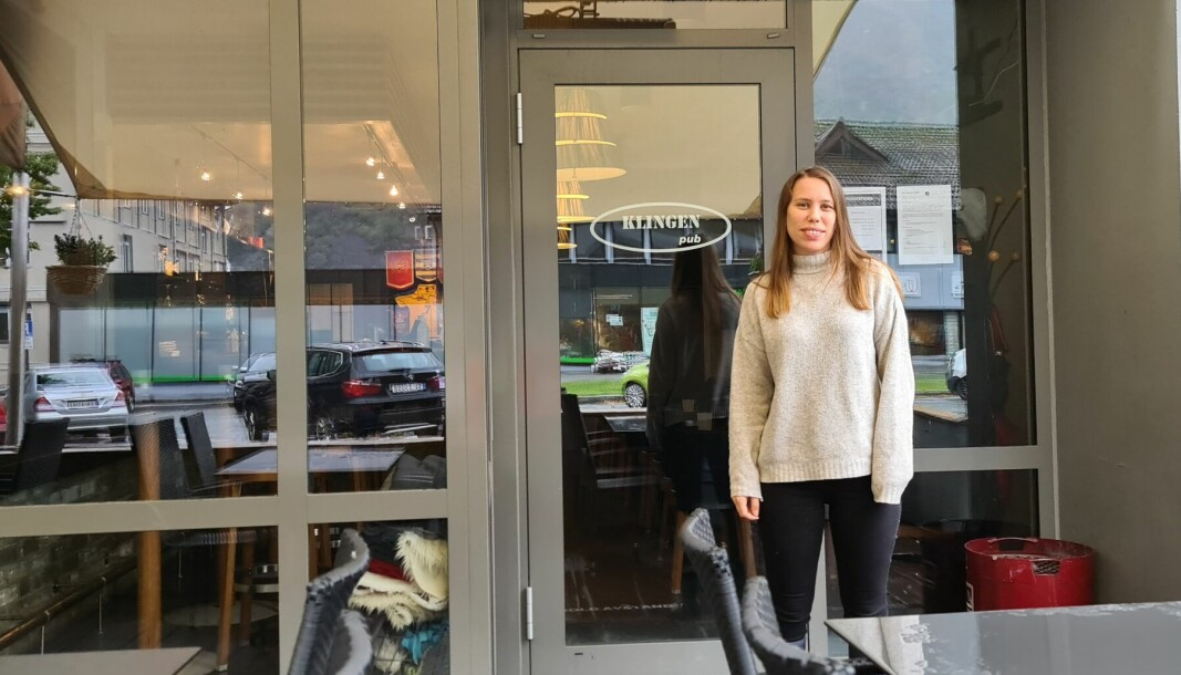 NØGD: Restaurantsjef Eleonore Krantz på Klingen pub gleder seg til meir normale tilstandar.