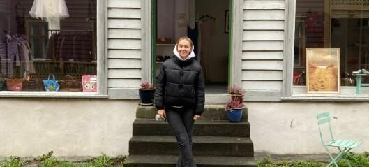 Margit (19) satsar på vintage-butikk i heimbygda: – Eg har ingen ting å tapa
