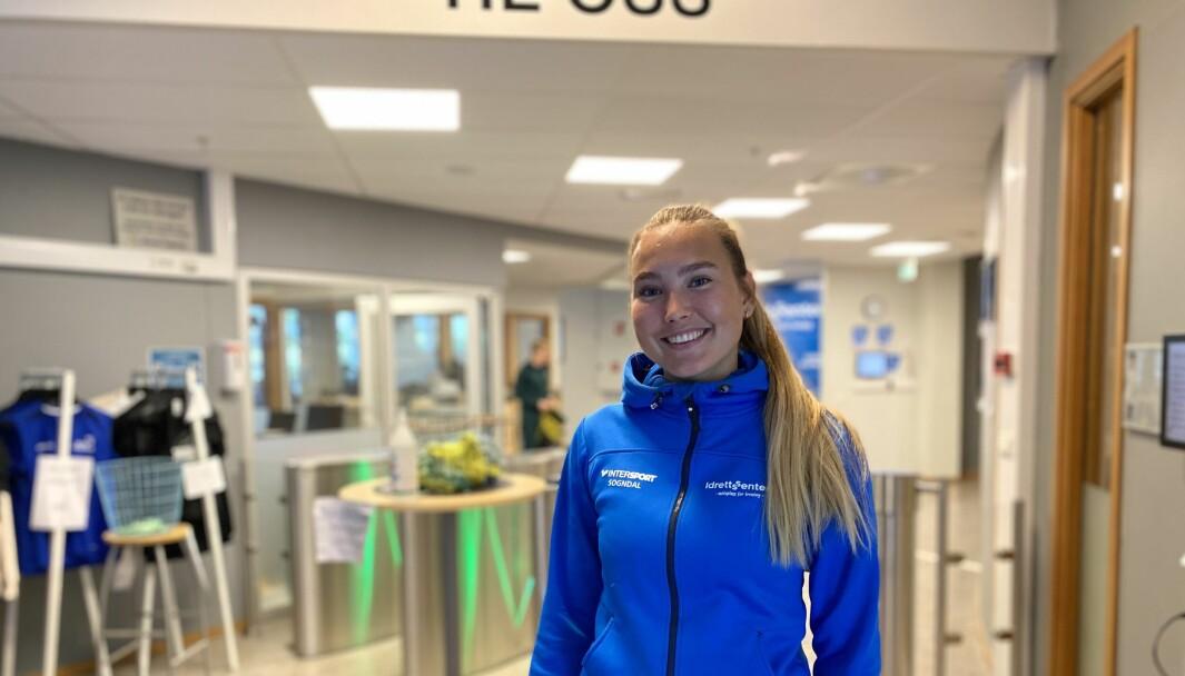 NYE REGLAR: Gjenopninga av samfunnet gir friare tøyler for Gina Granstedt og dei tilsette ved idrettsenteret i Sogndal. Men nokre av lærdommane frå pandemien tek dei med seg vidare.