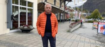 Kva har parkeringsavgift med befolkningsveksten i Sogndal å gjere? – Mykje, skal ein tru Rolf Navarsete