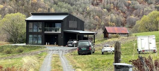 Huset i Fardalen gjekk til 5,5 millionar: – Det trur eg ikkje det har vore mange av her i bygda