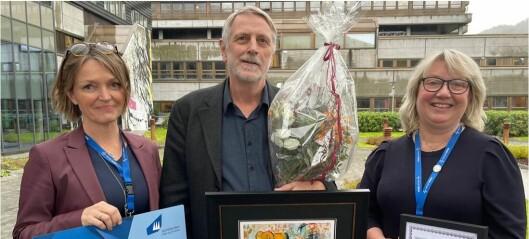 Reidar Hjetland fekk Kvalitetspris for innsasten sin for Helse Førde: – Kjekt å bli sett pris på av sine eigne